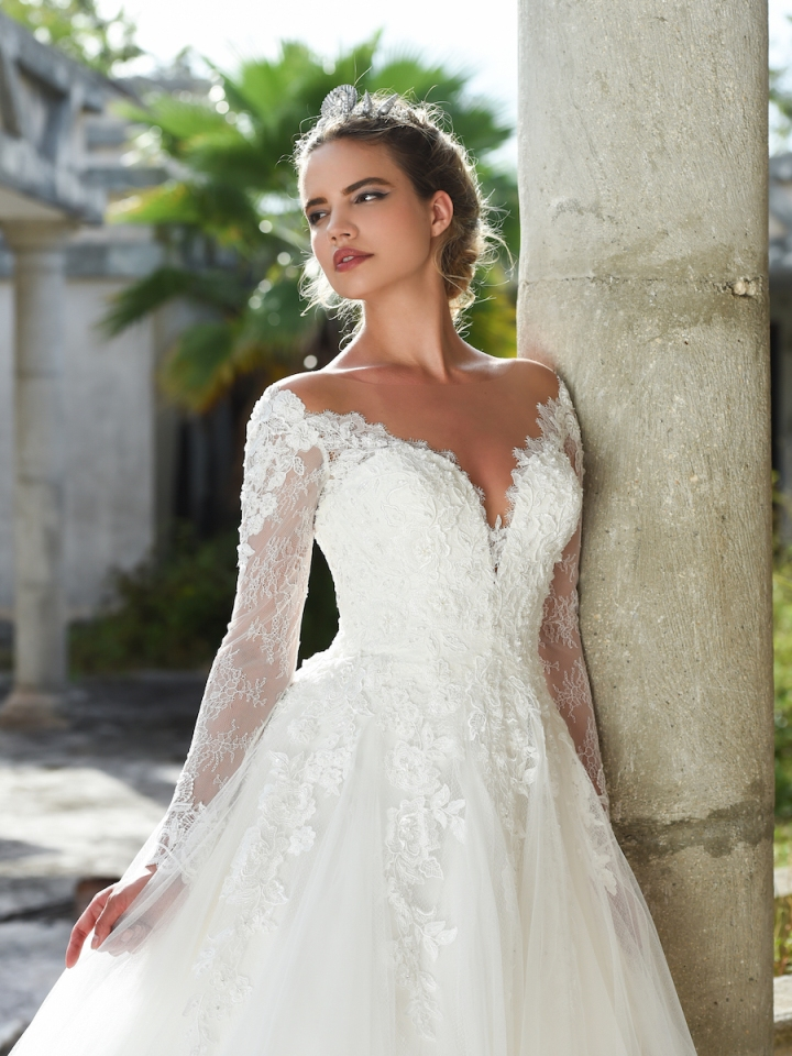 selecting-the-ideal-bridal-gown